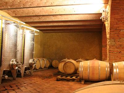 la cantina di podere la cerreta - vino biodinamico toscana