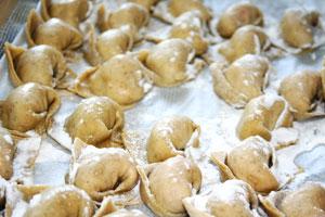 ravioli genovesi cucinati alla trattoria dei mosto - genova