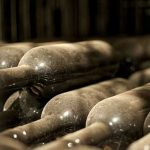 Bottiglie nella cantina di invecchiamento della Stoppa